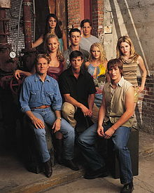 220px-RoswellCast2000-2001